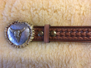 Arrowhead design belt