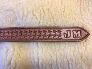 Arrowhead design belt